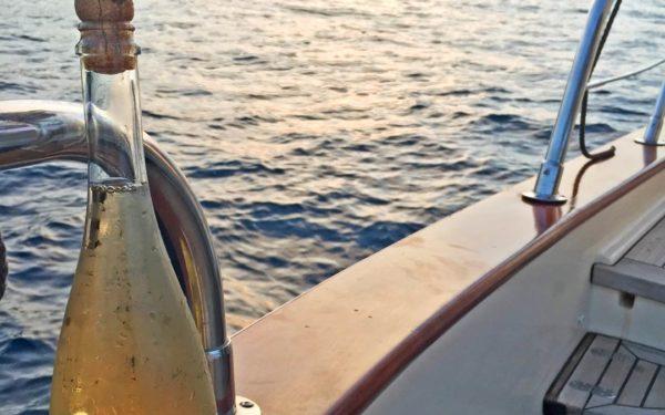 Aperitif boat sorrento capri