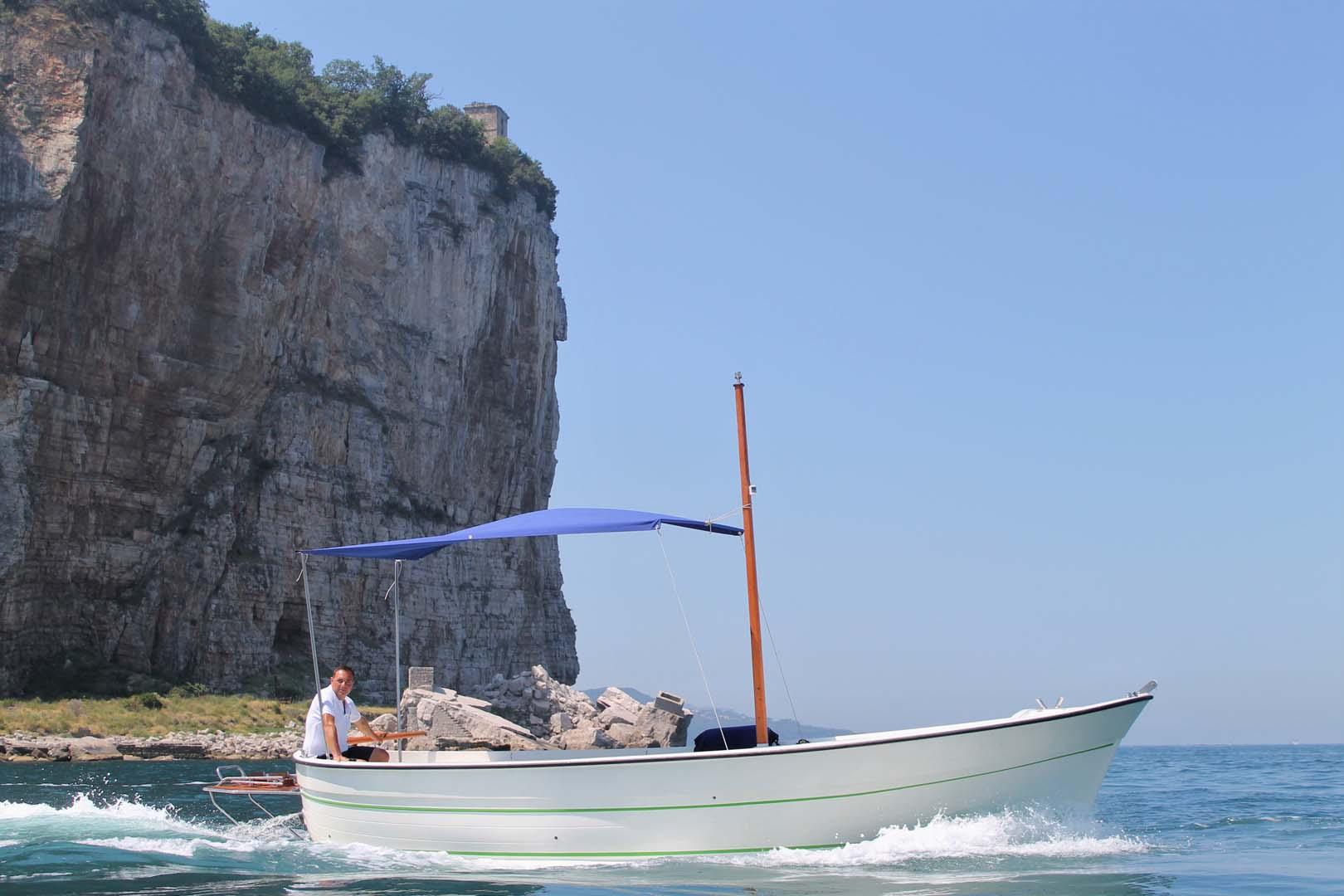 Sorrento Capri Positano boat tour rental Gozzo di Donna 720 (2)